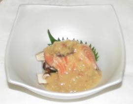 鮭と茸と津軽味噌和え